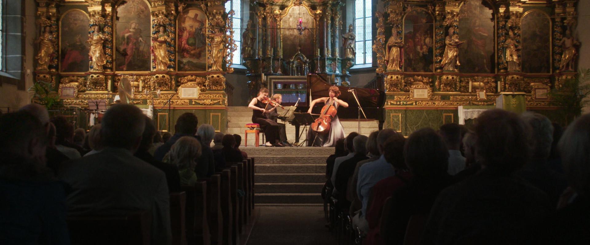 SCHMUTZ Musikdorf Ernen – Independent Klassikfestival | Trailer 2018